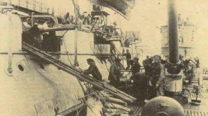 U-boat takes ammunition on board