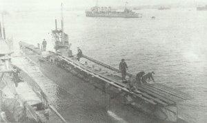 HMS E22