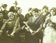 Italian women munition workers