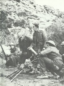 British 3-inch mortar crew