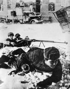 Russian soldiers with a PTRD-1941 anti-tank rilfe
