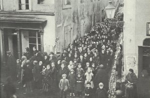 Food distribution to the German civilian population