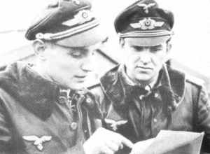 Hauptmann Erich Hartmann (left) and Major Gerhard Barkhorn (right), both of JG52