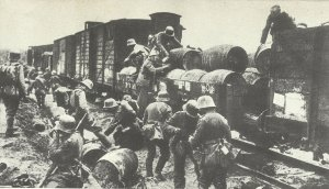 German soldiers plunder supply trains