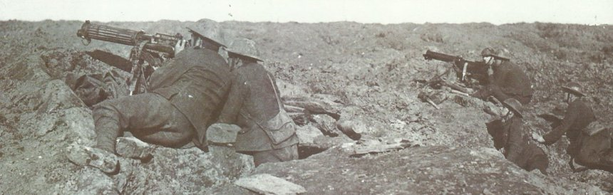 Vickers gun and German machine-gun 08