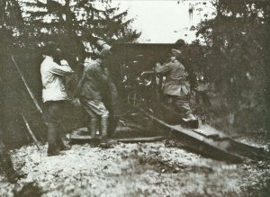 Skoda Model 1914 149-mm-howitzer in action with Italian forces