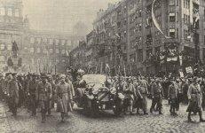 Masaryk enters Prague