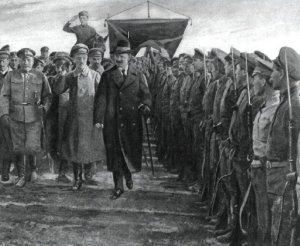 Trotsky inspects a Red Rifle Division