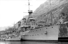 old cruiser 'Niobe'