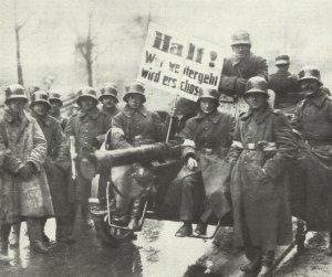 Reichswehr troops in Berlin