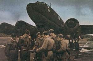 crew of a Fw 200 Condor in front of their plane
