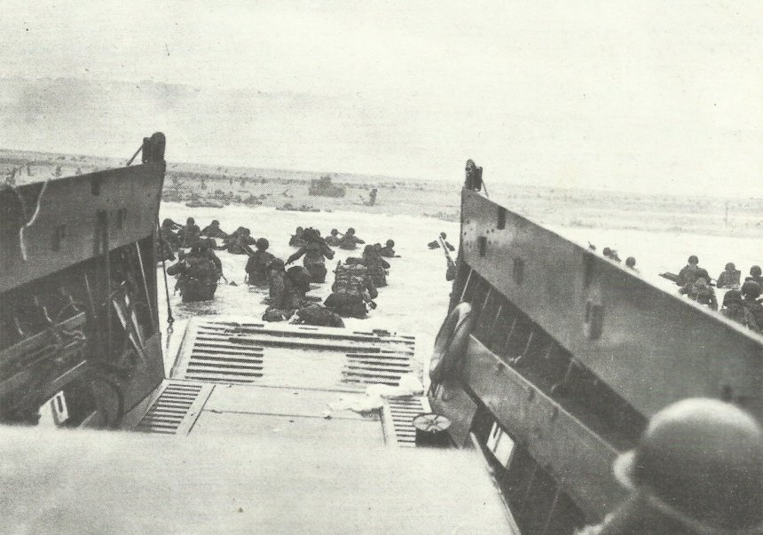 US 1st Infantry Division lands at the bloody Omaha Beach
