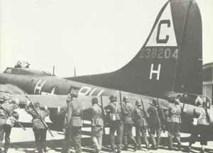 B-17 G emergency landing at Genf-Cointrin