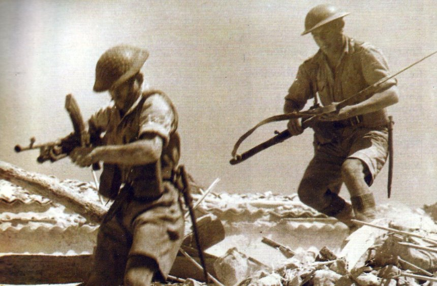 Two British soldiers attacking