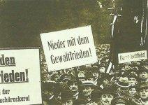 Demonstration vs Versailles peace treaty