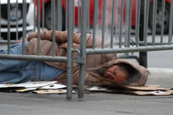 Gov. Newsom, Once Again, Takes on Homelessness - This Time Statewide | KQED News