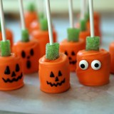 Halloween Treats: Candy-Dipped Marshmallow Pumpkin Pops
