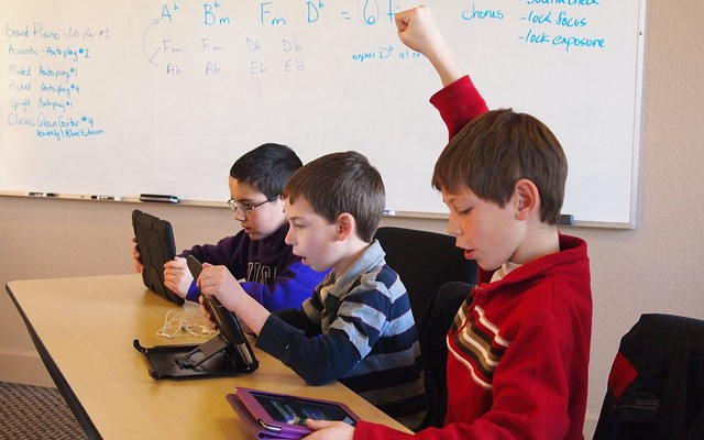 Games In The Classroom  What the Research Says   The MindShift Guide     Brad Flickinger