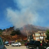 Fire Threatens Nearly 50 Homes in Oakland Hills