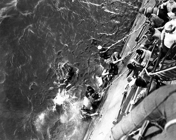 Cruiser Minneapolis picked up Lexington survivors, 8 May 1942