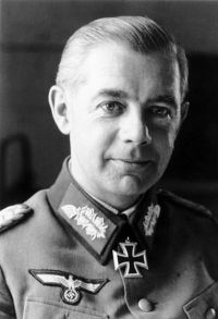 410px-Bundesarchiv_Bild_101I-237-1051-15A,_Walter_Wenck