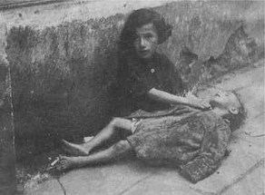 Warsaw ghetto - 2 sisters