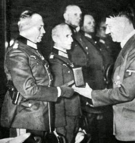 Guderian_receiving_Knights_cross_iron_cross_1939 (1)