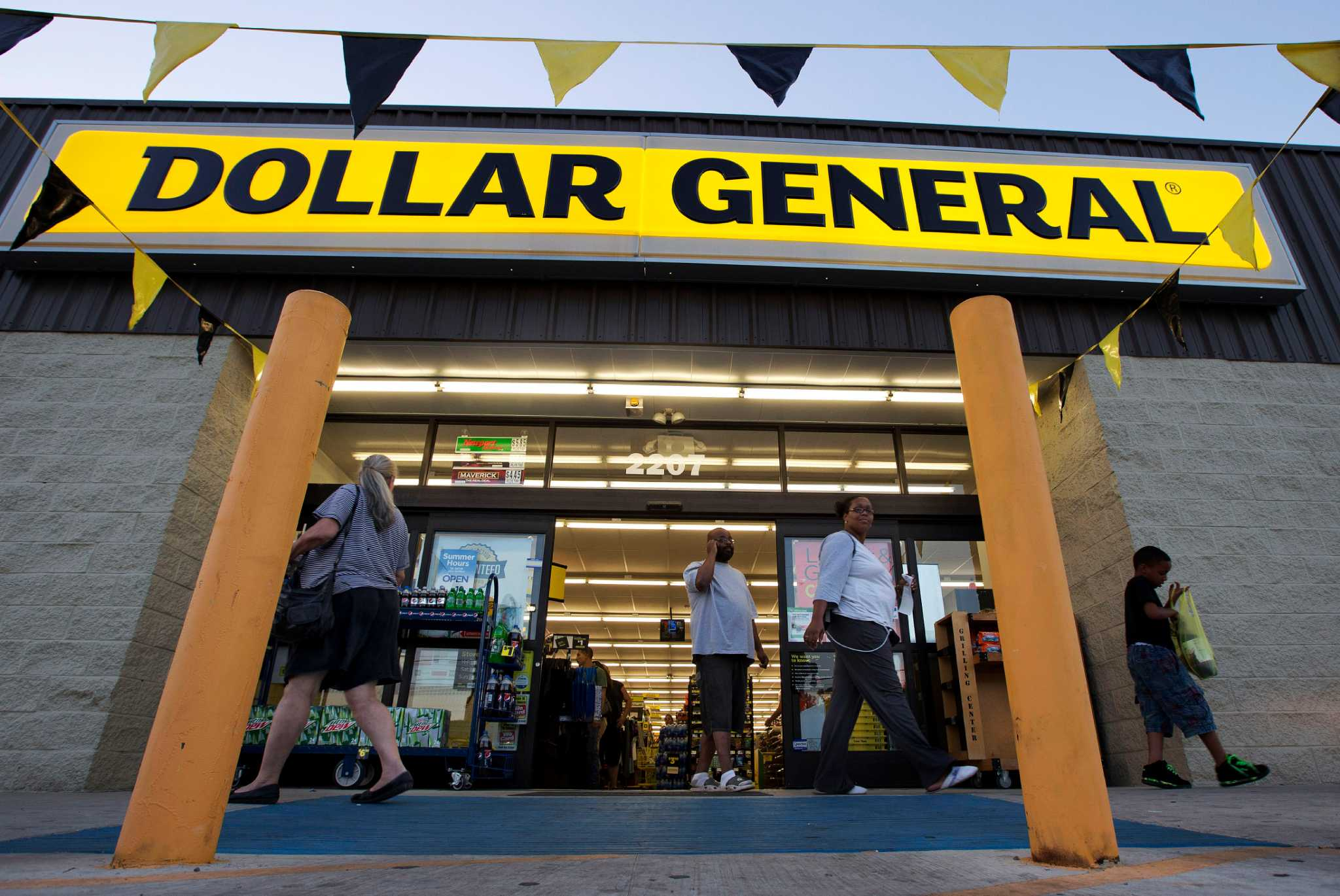 Dollar General Opens New Houston Store
