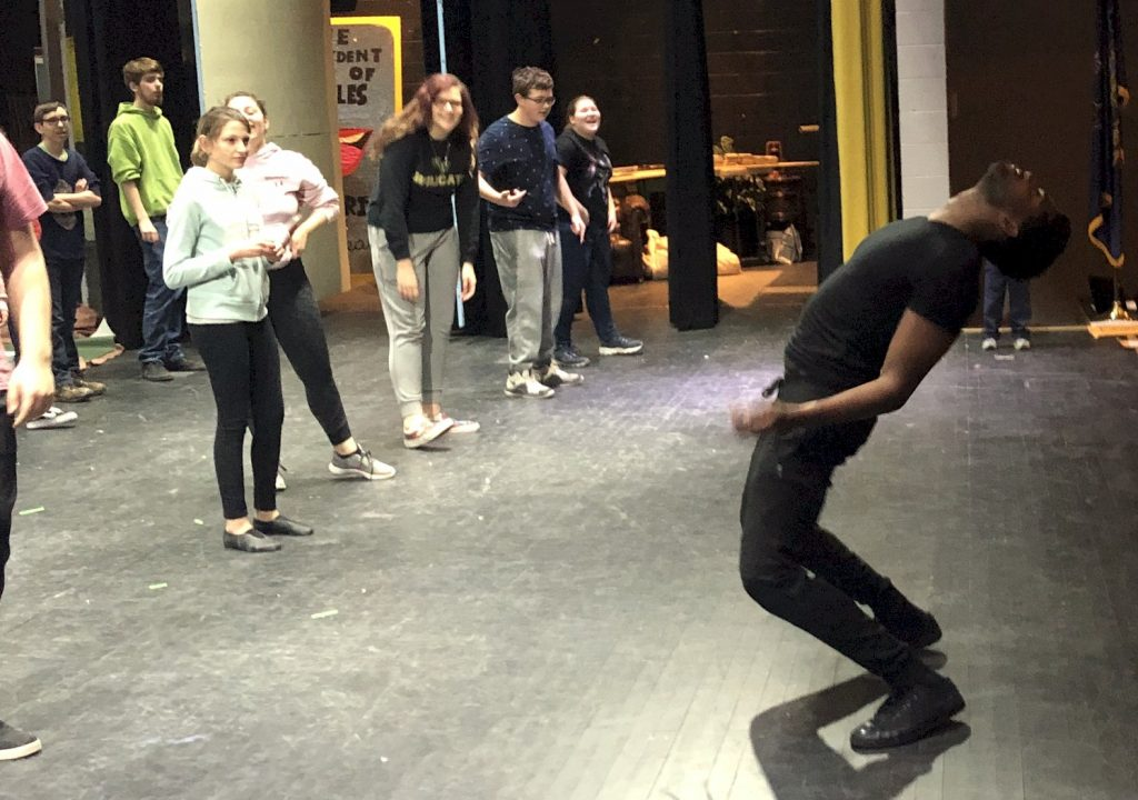Western Wayne Drama Club Hosts Broadway Actor