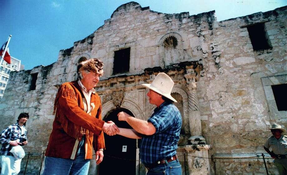 Celebrities Visiting The Alamo Houston Chronicle