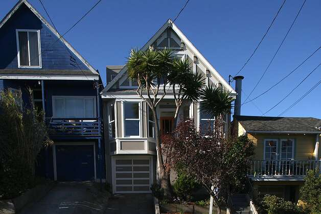 1628 York St. (middle) in San Francisco, California, is a 2200 square foot home with 3 bedrooms and 2 baths on the market for $1,095,000 on Thursday, September 26, 2013. Photo: Liz Hafalia, The Chronicle