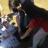 WWALS and children at Trunk or Treat at Reed Bingham State Park 2016-10-29