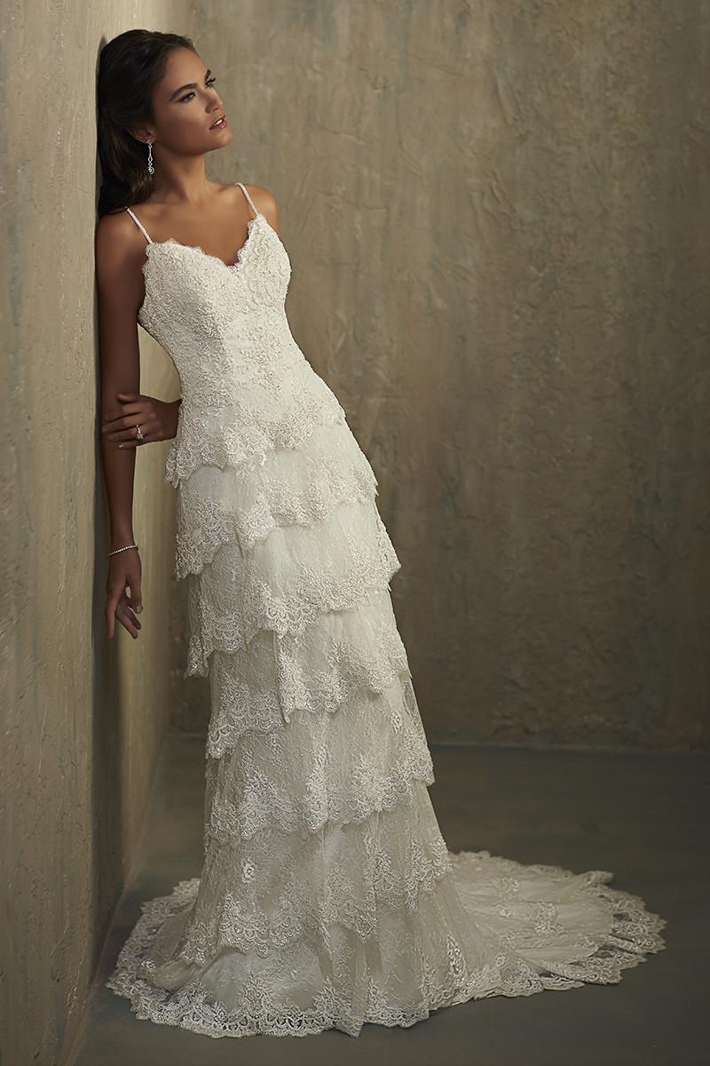 Under Wedding And Dresses 5000