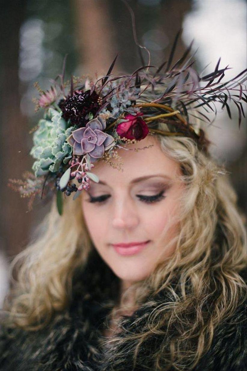 свадебная цветочная корона для осенней или зимней невесты с суккулентами + зелень