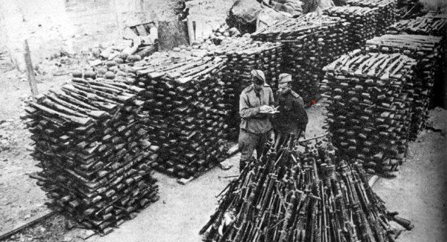 Немецкие винтовки, собранные «трофейниками».