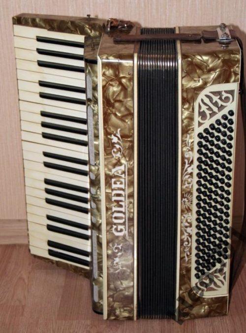 Трофейные аккордеоны – добыча избранных.
