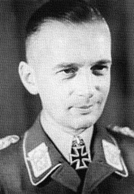 Выпускник Липецкой школы - Генерал-полковник Ганс Ешоннек.