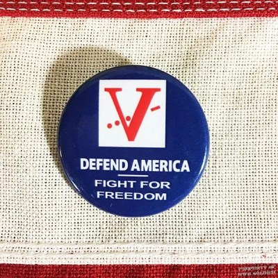 wwii-defend-america-pin-reproduction