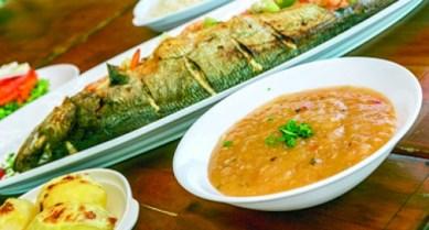 26-01-2014-16-57-17-abre-1-comida-gastronomia-peixe-pirao-daniel-queiroz-21.janeiro.2014-10