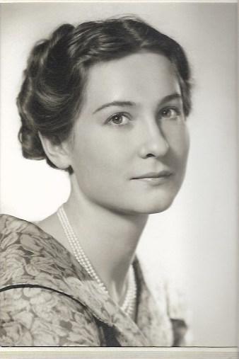 Natalia Costa-Zalessow