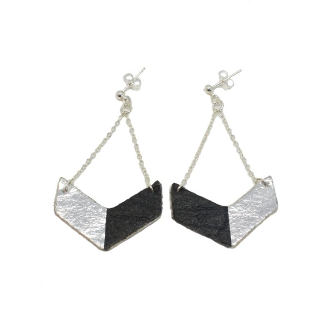 Victory earrings Black and Silver in Piñatex®