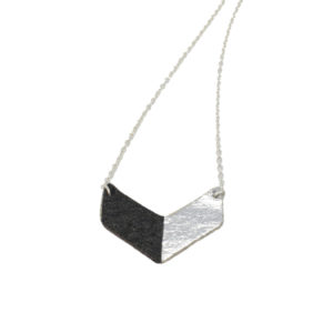 Victory Piñatex Necklace Black Silver