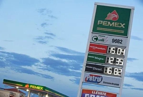 El avance de marcas privadas contra las de Pemex (Foto: REUTERS / Jose Luis Gonzalez. Foto de archivo)