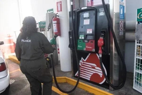 Pemex opera algunas gasolineras en el país (FOTO: VICTORIA VALTIERRA /CUARTOSCURO.COM)