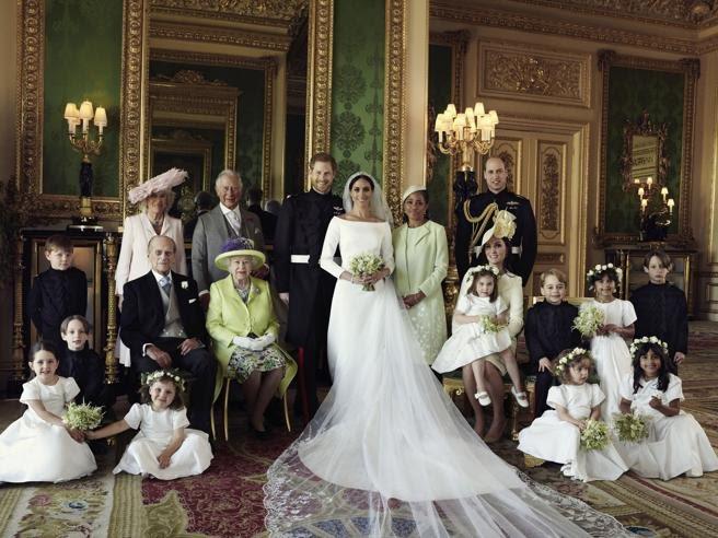 Imagen oficial más familiar de la boda real