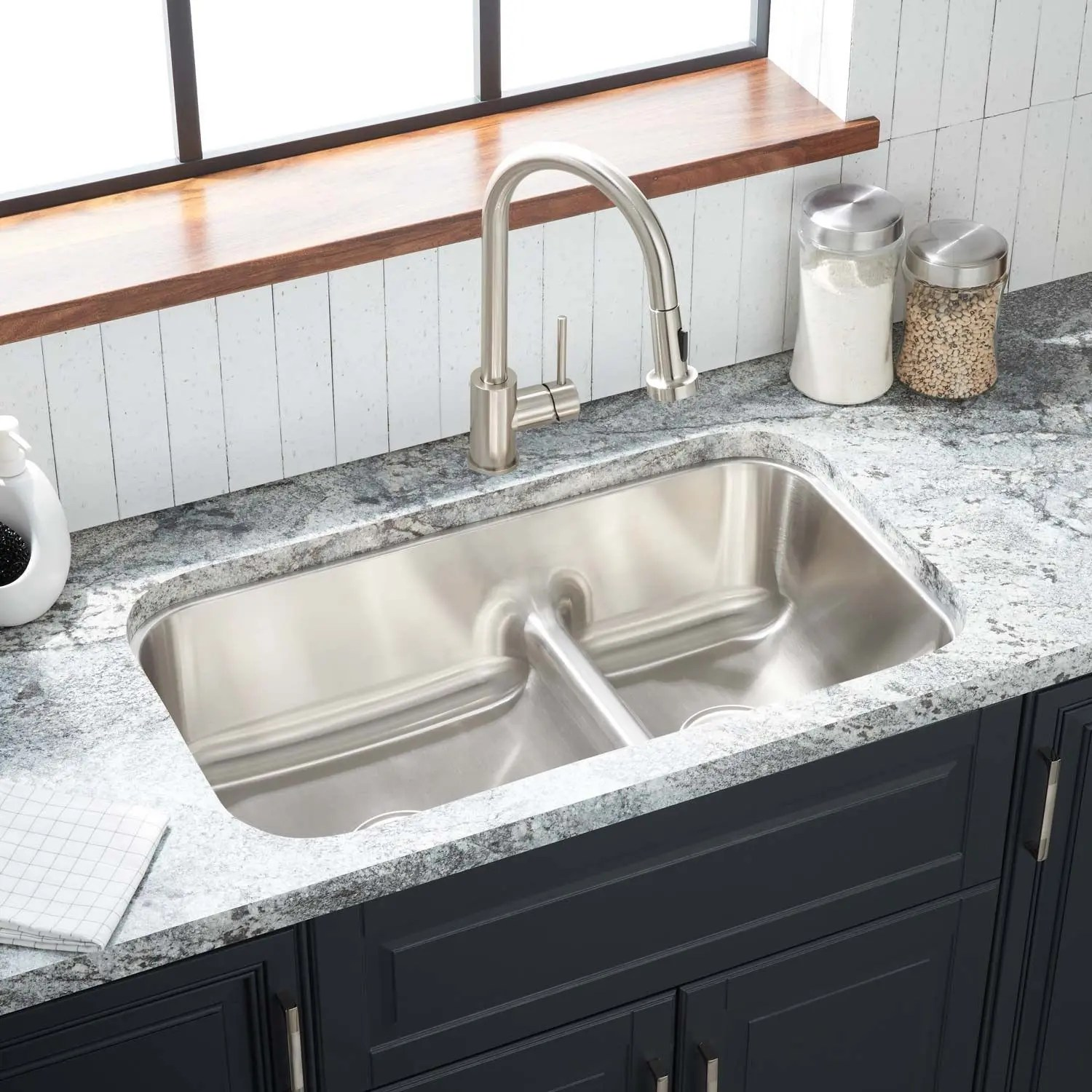 32 calverton 60 40 low divide double bowl stainless steel undermount sink