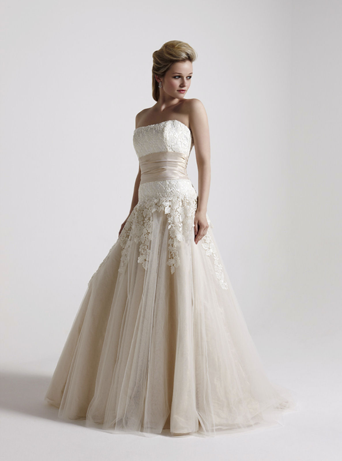 Wedding dresses for women over 40 great ideas for for Wedding dresses for over 40