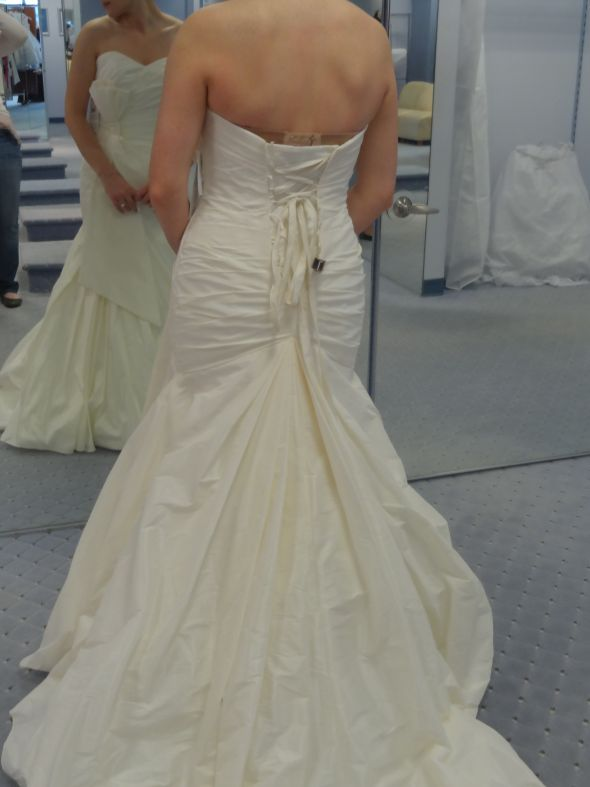 Alfred Angelo Mermaid Fit And Flare Trumpet Gonw With Bow