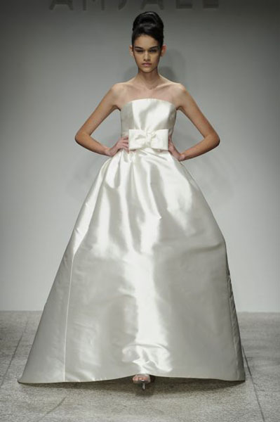 Bridal Market 2010 - Amsale :  wedding bridal market 2010 Val6855  _VAL6855