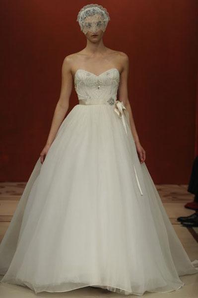 Bridal Market 2010 - Reem Acra :  wedding bridal market 2010  Val0767 _VAL0767